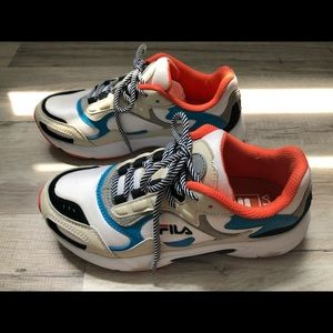 FILA Luminance Tracer Sneakers